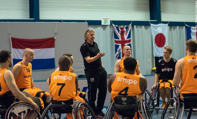 Cees van Rootselaar tekent bij als bondscoach van rolstoelbasketballers