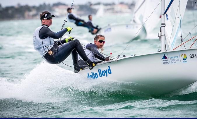 Zegers en Van Veen zakken naar zesde plaats op EK 470