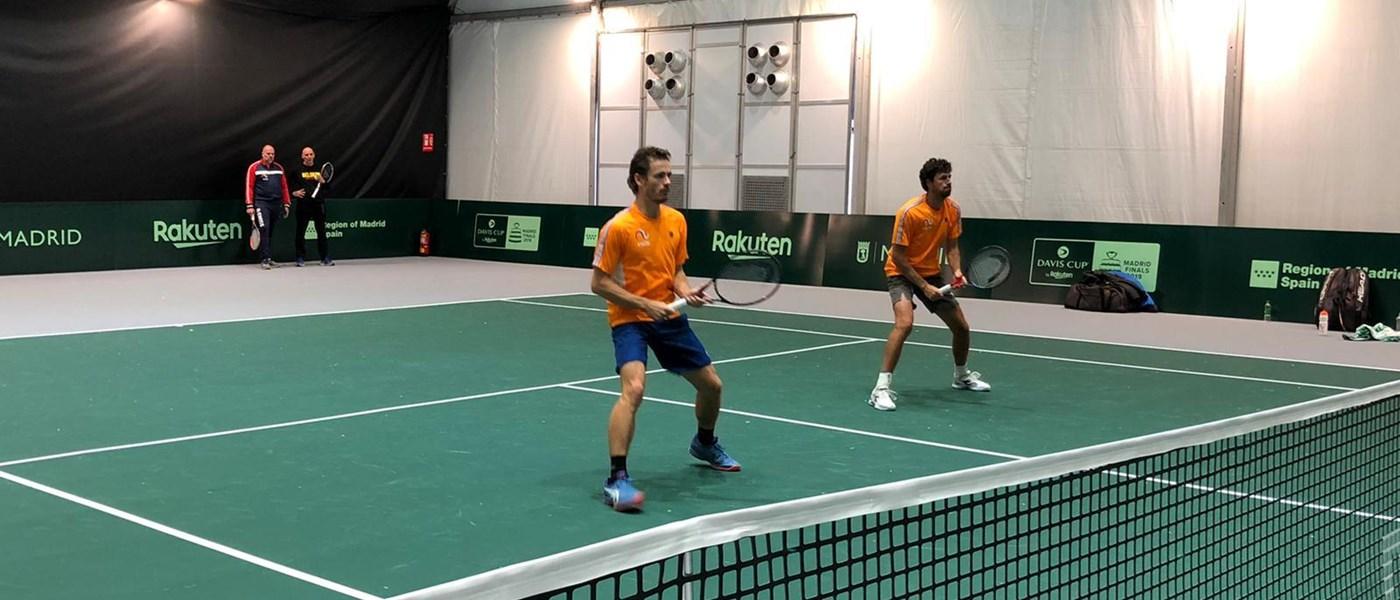 Het teamgevoel van de tennissers: Extra energie doordat de ploeg achter je staat