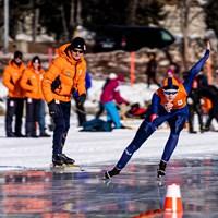Schaatstalenten moeten wennen aan natuurijs in Sankt Moritz