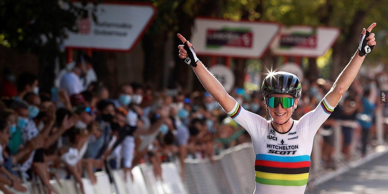 TeamNL-update: Van Vleuten wint Strade Bianche
