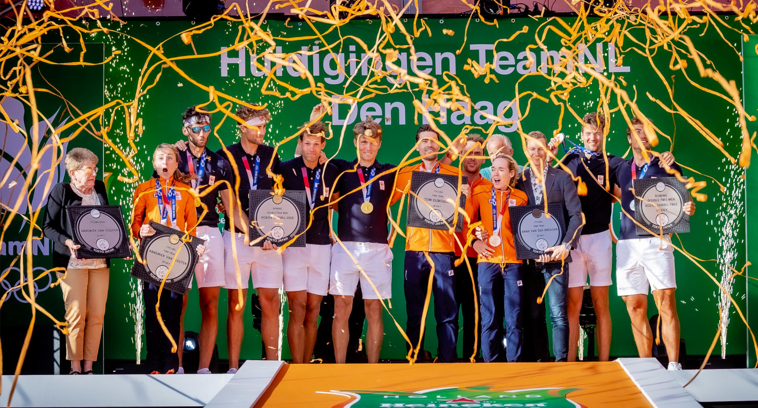 De huldigingen van de medaillewinnaars!