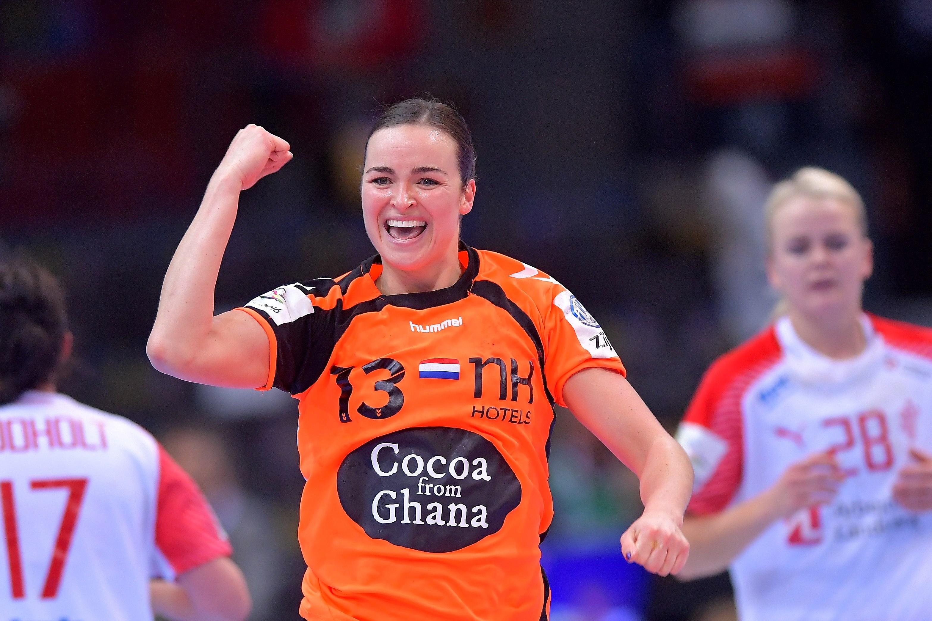 De comeback van handbalster Yvette Broch